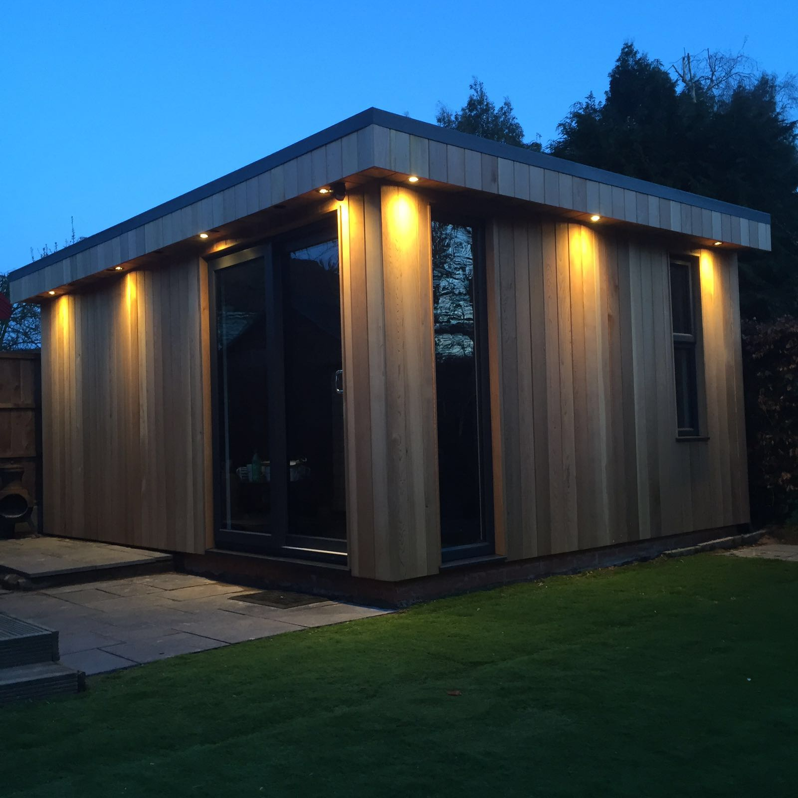 Green oak and outdoor spaces roberts bespoke for Outdoor rooms uk
